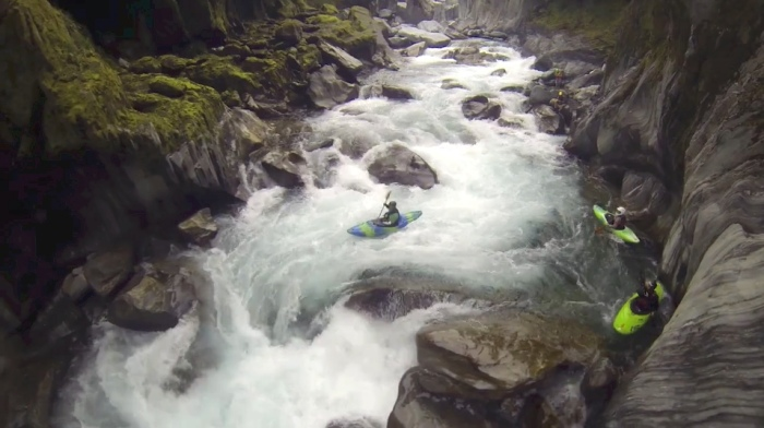 Rivering, a kayaking documentary