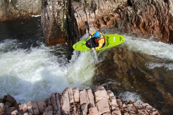 The Zet Veloc boofing on the Etive. Photo courtesy New Wave Kayaking